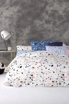 Here are the best terrazzo marble trend pieces you need for your home. From decor to main centerpieces this trend will bring a super cute aesthetic! British Home, Terrazzo Flooring, Grafik Design, Interiores Design, Interior Design Inspiration, Contemporary Design, Living Spaces, Bedroom Decor, Ikea Bedroom