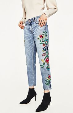 Mid-Rise jeans with floral embroidery-view all-jeans-woman zara united stat Jeans Casual, Ripped Jeans Style, Ripped Jeans Outfit, Lässigen Jeans, All Jeans, Loose Jeans, Ripped Denim, Zara, Summer Denim