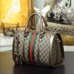 clearanceNew vintage style handbag New NO brand vintage style high quality handbag! Measurements are 12.5 by 9 by 7. This was a gift to me. Gucci Bags