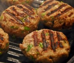 Hambúrgeres de Feijão  Vamos apresentar uns deliciosos Hambúrgueres de Feijão, que se confeccionam...  Receita completa em http://www.receitasja.com/hamburgeres-de-feijao/