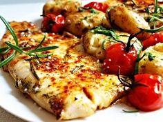 Filety ze štiky potřené pastou z rozmarýnu, olivového oleje, citronové šťávy, papriky a soli, opečené na troše oleje a másle dozlatova. Vegetable Pizza, Fish, Chicken, Meat, Vegetables, Cooking, Recipes, Google, Fitness