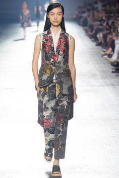 Dries Van Noten Spring 2014 RTW. #DriesVanNoten #Spring2014 #PFW floral. sheen. luminosity. vest suit. printed suit.