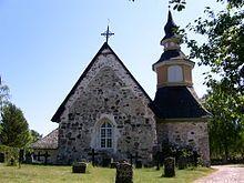 Kumlingen kirkko lännestä