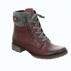 Womens leather ankle boots in Bordeaux color. Low heel, laces and rubber non-slip sole. In large sizes from Remonte.