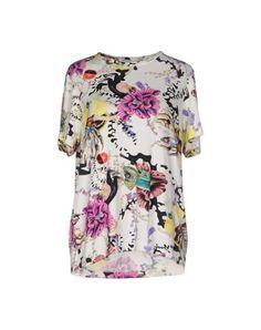 MARY KATRANTZOU T-Shirt. #marykatrantzou #cloth #dress #top #skirt #pant #coat #jacket #jecket #beachwear #