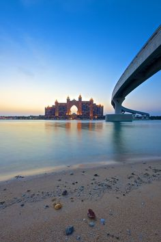 Road to Atlantis, Dubai, UAE (by Mark Hillen)