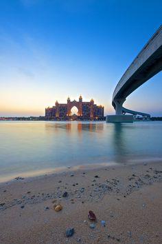 Road to Atlantis, Dubai, UAE (by Mark Hillen)