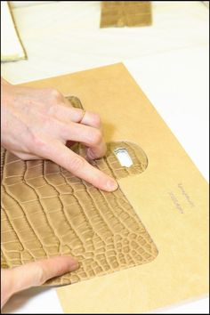 Chanel-2.55-Flap-Bag-making-of-11