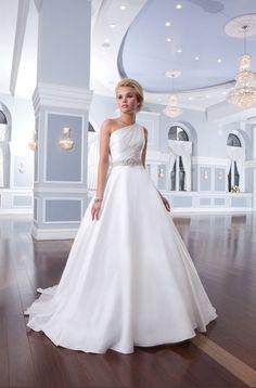 Asymmetrical Wedding Dresses #weddingdress