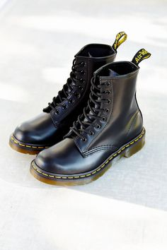 Slide View: 2: Dr. Martens 1460 Smooth Boot