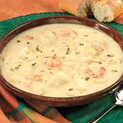 Shrimp and white fish simmer in a creamy potato broth spiked with sauteed onion, garlic and dill. Chowder Recipes, Soup Recipes, Vegetarian Recipes, Cooking Recipes, Chilli Recipes, Seafood Soup, Seafood Dishes, Fish And Seafood, Sauces