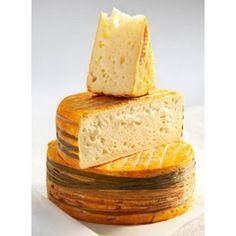 il lavaggio della crosta è essenziale per far diventare il maresciallo LIVAROT quello che è cioè un formaggio ricco di gusto