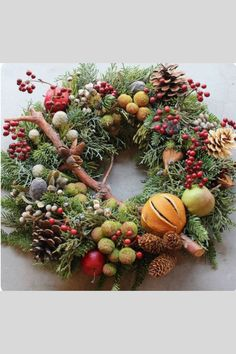 Make your fall wreath lush and full with berries, twigs and other natural materials. Halloween Yarn Wreath, Xmas Wreaths, Christmas Makes, Green Christmas, Christmas Crafts, Christmas Arrangements, Flower Arrangements, Thanksgiving Decorations, Christmas Decorations