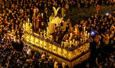 Seeing the Holy Week parades in Seville, even more magical from a private balcony in the heart of the old town | Andalusia #Culture Tours