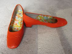 Vintage 1960s orange mod dollybird shoes