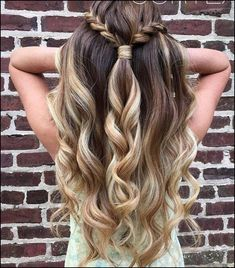 19 Super Easy Hairstyles for 2018 /. You will be able to se Flawless 19 Super Easy Hairstyles for 2018 /. -Flawless 19 Super Easy Hairstyles for 2018 /. Super Easy Hairstyles, Easy Hairstyles For Long Hair, Pretty Hairstyles, Simple Homecoming Hairstyles, Cute School Hairstyles, Stylish Hairstyles, Graduation Hairstyles, Teenage Hairstyles, Easy Hairstyles For Weddings