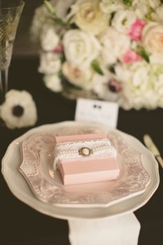 pretty in pink place settings | Nessa K Photography #wedding