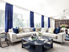 Blue and white living room decor with modern white sectional Beautiful living room, luxury living ro Glamour Living Room, Cozy Living Rooms, Living Room Furniture, Living Spaces, Blue And White Living Room, White Sectional, Living Room Decor Inspiration, Living Room Decor Traditional, Mid Century Modern Living Room