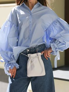 Elegant Blouses – Page 7 – Ininruby Sleeves Designs For Dresses, Beautiful Blouses, Mode Style, Fashion Prints, Blouse Designs, Coats For Women, Long Sleeve Tops, Jeans, Creations
