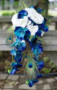 AAA8997-Cascading-Peacock-Bouquet.jpg - peacock + lighter princess colors