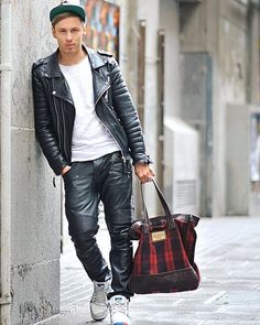 Choosing The Right Men's Leather Jackets. A leather coat is a must for every single guy's closet and is also an excellent method to express his personal design. Leather coats never ever head Brown Leather Jacket Men, Classic Leather Jacket, Tight Leather Pants, Vintage Leather Jacket, Lambskin Leather Jacket, Leather Trousers, Leather Jackets, Fashion Moda, Mens Fashion