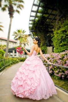 Houston quinceanera photography by Juan Huerta. Copyright © All Rights Reserved