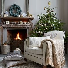 Neutral Christmas living room with decorations   Decorating