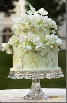 Cake Inspiration - fondant green gold white ivory perfect for spring or summer, beautiful vintage cake plate