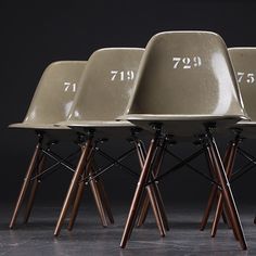 Numbered Eames.                                                                                                                                                                                 Mehr