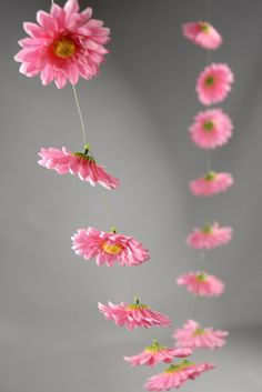 Gerbera Daisy Garlands (18 flowers) 6 ft Pink