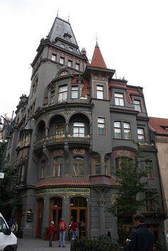 Restaurant near Staronová synagoga. Pařížská, Josefov (Jewish quarter), Prague