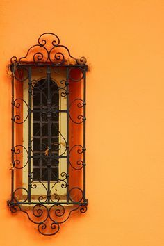 Wrought iron grille over a Spanish window. Spanish Style Homes, Spanish Revival, Spanish Colonial, Iron Windows, Windows And Doors, Fachada Colonial, Window Grill, Hacienda Style, Iron Art