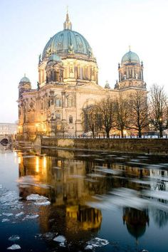 Berliner Dom im Winter, Berlin, Deutschland