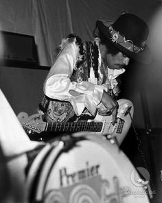 Jimi Hendrix Experience, Rock Music, My Music, Rock Band Photos, Band Of Gypsys, Psychedelic Music, Afro Punk, Believe In God, Gibson Les Paul