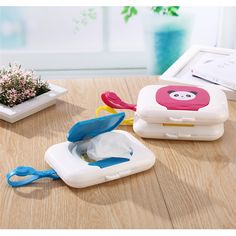 Set of 4 Smarti Baby Wipes Dispensers Refill Cap Portable Travel Wipe Case