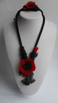 Black red necklace Beaded necklace Flower necklace Beaded