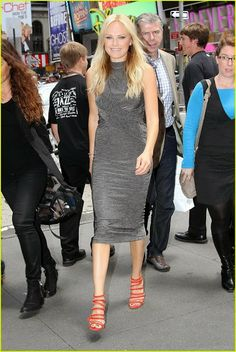 #MalinAkerman #MidiDress #ootd #fashion
