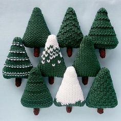 Nine different Christmas trees which can be left as they are or decorated. The trees are knit flat and are approximately 6.5 x 10 cm (2.5 x 4 inches). They are perfect for making baubles, garlands and other decorations.