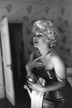 Marilyn and Chanel No 5