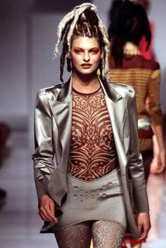 Jean Paul Gaultier, Paul Gaultier Spring, 90s Fashion, Fashion Models, Runway Fashion, Space Fashion, Fashion Designers, Paris Fashion, Street Fashion
