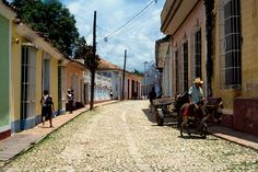 Trinidad street through the eyes of SWEBackpacker