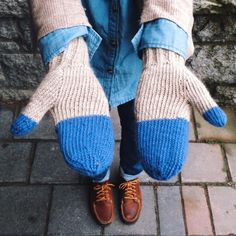 Colorblocked Mittens by Ainsley Bourque | Project | Knitting / Gloves & Mittens | Kollabora #diy #kollabora #knitting #mittens