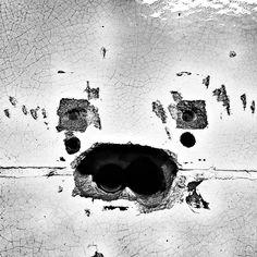 iseefaces in berlin @ u bernauer str. #pareidolia #drillholes #damaged #tiles #damagedwallart #facesinthings #iseefaces #iseefacestoo #faceseverywhere #icfaces #pareidolie #accidentalface #berlin #bernauerstrasse #berlinmitte #berlinwedding #prenzlauerberg #ubahnberlin