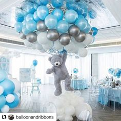 Shower Favors And Prizes Baby shower centerpiece idea - balloons and girant floating bear - so cute!Baby shower centerpiece idea - balloons and girant floating bear - so cute! Deco Baby Shower, Baby Shower Balloons, Shower Party, Baby Shower Parties, Baby Shower Boys, Boy Baby Showers, Led Balloons, Baby Boy Balloons, Teddy Bear Baby Shower
