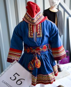 Large Auction of a folk artist's life's work - Magazine Costume from Bunad Magazine article on auction in Norway