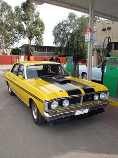 Ford XY Falcon GT | Flickr - Photo Sharing! Australian Muscle Cars, Aussie Muscle Cars, American Muscle Cars, Ford Falcon, Car Ford, Ford Gt, Françoise Sagan, Yellow Car, Classy Cars