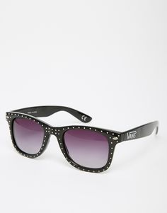 Sunglasses by Vans Studded frames Moulded nose pads for added comfort Gradient tinted lenses Branded arms with curved temple tips for a secure fit Total UV Protection