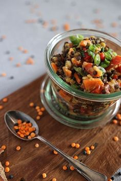 Light lentil salad with vegetables - pot plant - Lunch break! Light lentil salad with vegetables – pot plant lunch salad - Salad Recipes For Dinner, Chicken Salad Recipes, Healthy Salad Recipes, Vegetarian Recipes, Vegetarian Salad, Lentil Recipes, Meat Recipes, Lentil Salad, Food To Go