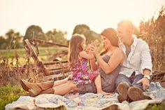Sunset family picture via http://sbchildsphotography.com
