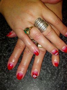 Kansas City Chiefs nail art